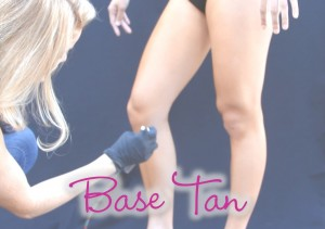 Base Tan Training (1 Day, 4-5 hours) For artists who need to acquire the foundation of applying a flawless base spray tan. Includes three models.